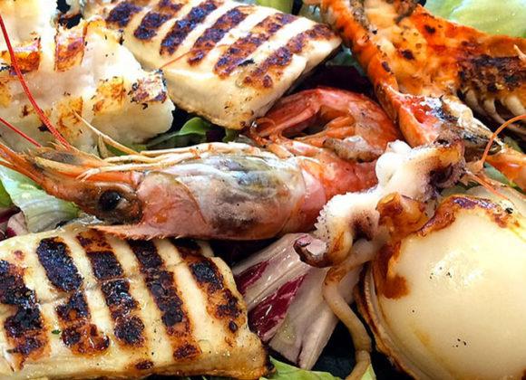 Grigliata pesce e crostacei